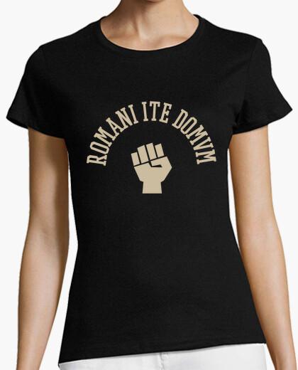 Camiseta Romani ite domum - puño chica
