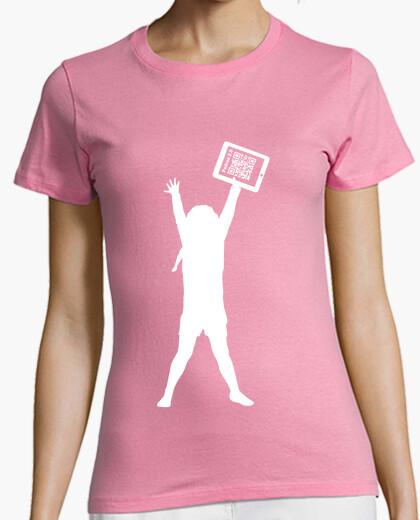 Camiseta rosa solidaria chica - La niña de la tablet