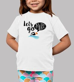 shirt de l'enfant permet de aller à la piscine