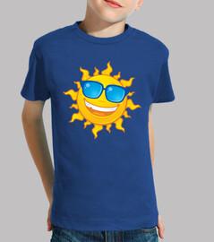 sole estivo indossando occhiali da sole