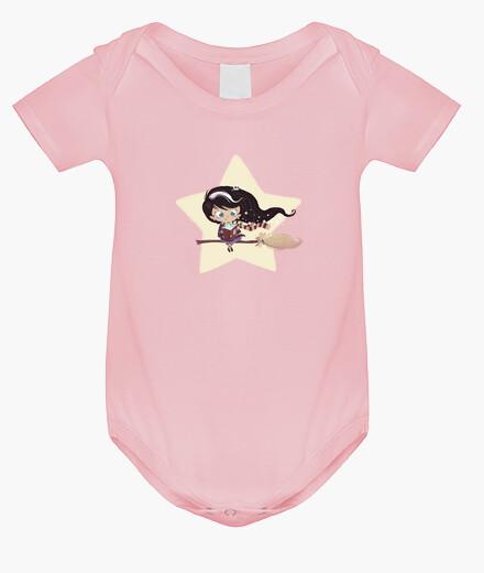 Vêtements enfant sorcière volant à côté de l'étoile