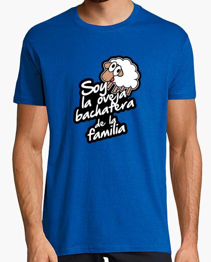 Camiseta Soy la oveja bachatera de la familia