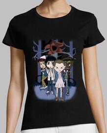 Starnger night- camiseta mujer