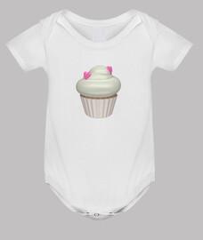 strawberry and cream cupcake