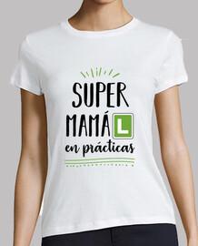 Super Mamá en prácticas