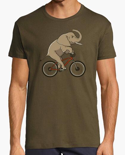 T-shirt supersized