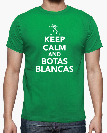 T-shirt keep calm and stivali bianchi
