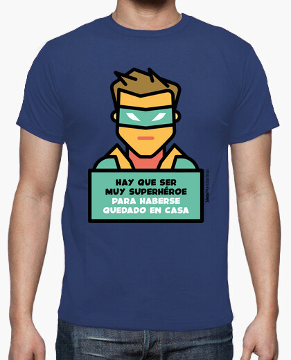 Tee-shirt super-héros dans la maison verte