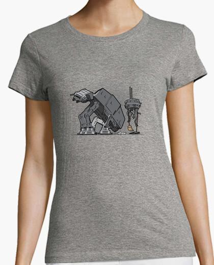 Tee-shirt trooper scooper