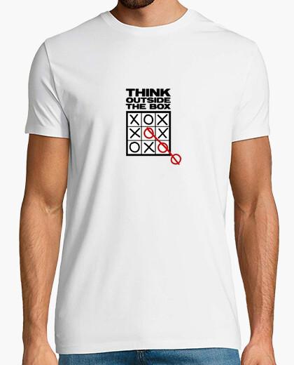 Camiseta think outside the box - Friki