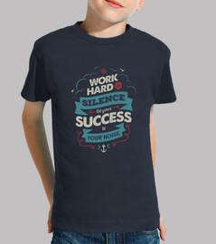 trabajo duro camiseta azul niño