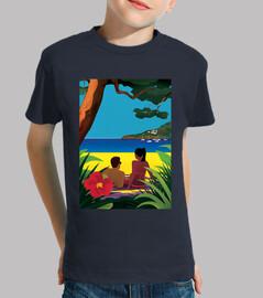 una playa con sombra