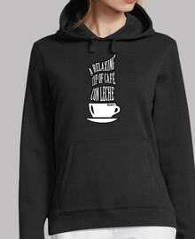 une tasse de café relaxante avec du lait