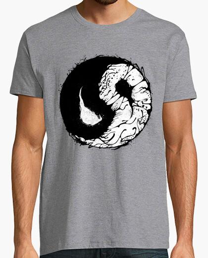 T-shirt v yang