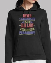 vieille dame née en février
