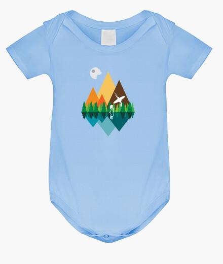 Vêtements enfant vue sur la forêt
