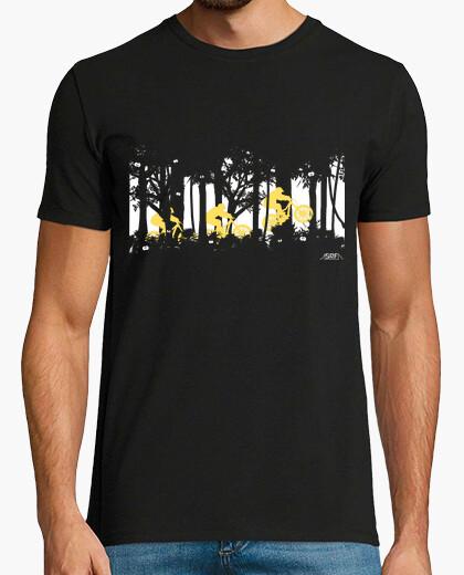 T-Shirt wald springen