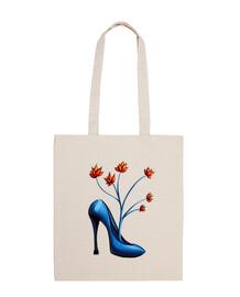 zapato azul con flores