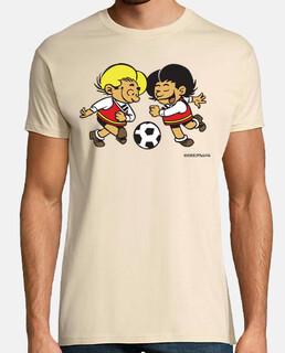 Zipi y Zape color jugando fútbol hombre