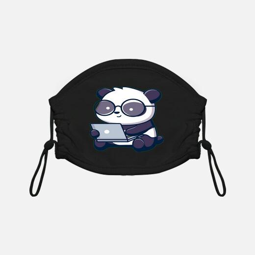 Mascarilla niño panda geek con un libro